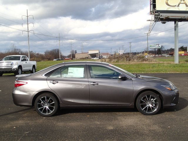 pre owned 2015 toyota camry xse v6 4d sedan in north canton 152353 cain toyota. Black Bedroom Furniture Sets. Home Design Ideas